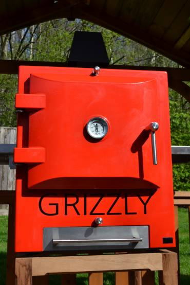 Grizzly in vibrant red