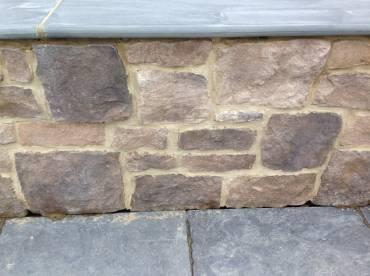 External Feature Wall in the Eldorado Roughcut Autumn Leaf profile
