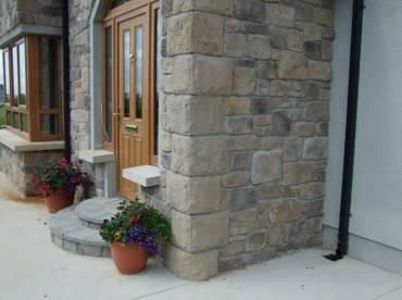 House porch stone cladding corner detailing