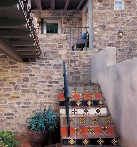 Stairway stone cladding using Veneto