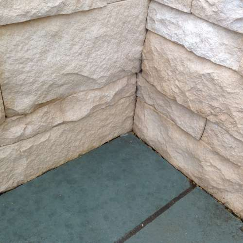 External Feature Wall in the Eldorado Coarse Cut Stone Oyster profile